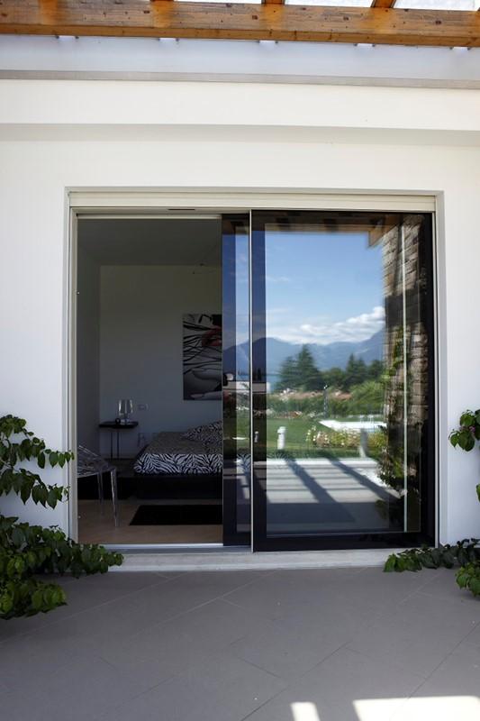 Produzione porte finestre in legno vetro | Italserramenti